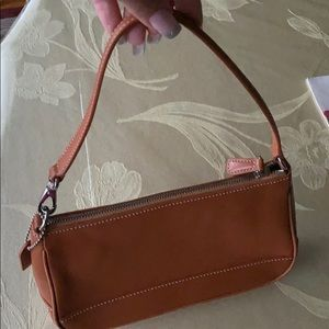 Brawn leather coach  pocketbook